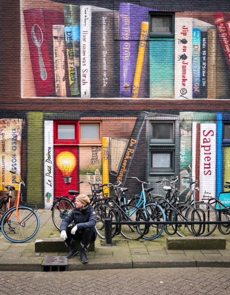 Boekenkast street art in Utrecht