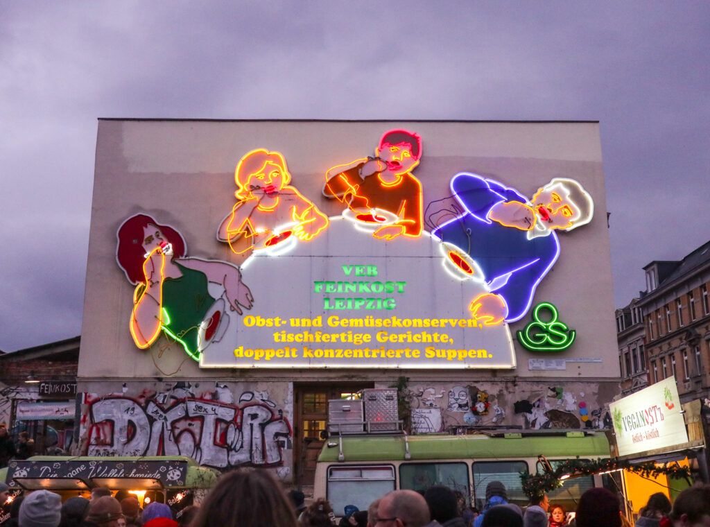 Löffelfamilie neon sign in Leipzig